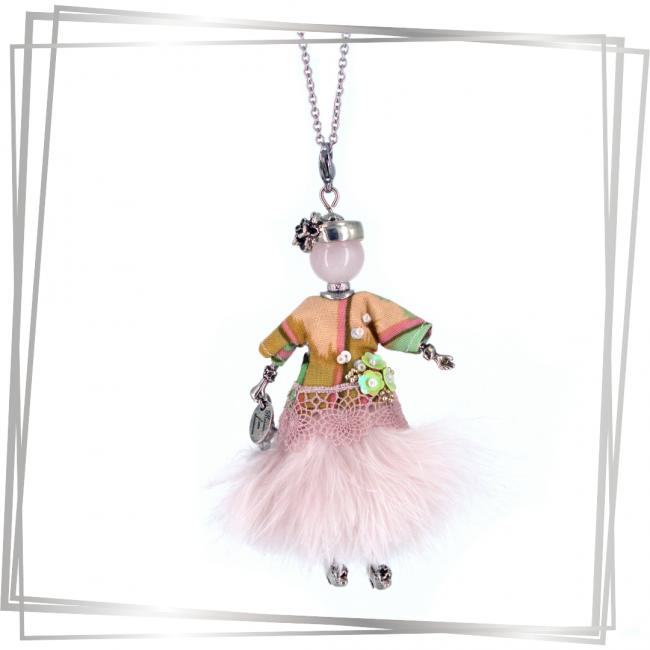 Pendentif poupée Neha |Murmures d'une charmeuse||sautoir poupée|collier poupée |lithothérapie |pièce unique |bijoux fantaisie| collier personnalisé |bijoux personnalisé |collier fantaisie |bijou personnalisé|bijoux fantaisie de qualité|pendentif personnalisé bijoux fantaisie femme |créateur |bijoux personnalisé femme