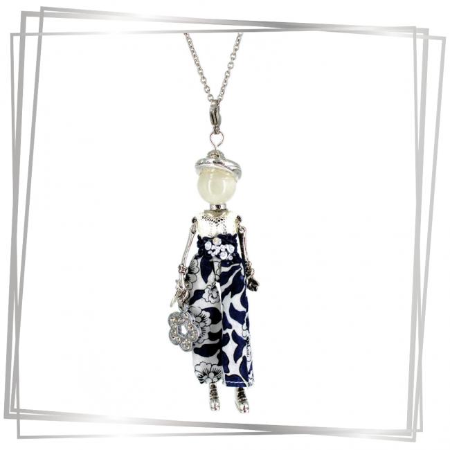 Pendentif poupée Hécate avec sa perle en pierre de lune |bijou tendance |Murmures d'une charmeuse | pierres fines | sautoir poupée|collier poupée | lithothérapie |pièce unique |déesse | talisman |bijoux fantaisie| collier personnalisé |bijoux personnalisé |collier fantaisie |bijou personnalisé|bijoux fantaisie de qualité|pendentif personnalisé bijoux fantaisie femme |créateur |bijoux personnalisé femme |argent 925 |lithotérapie |pierre gemme